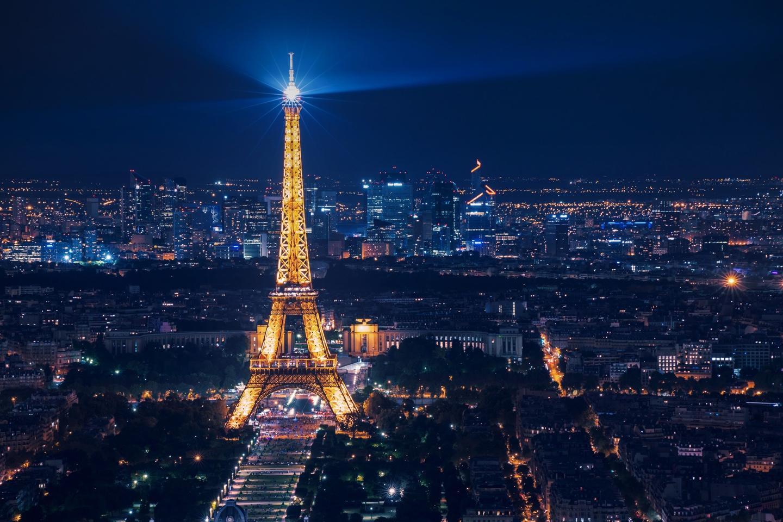 Tour-Eiffel-Paris-Salgado-Prestige